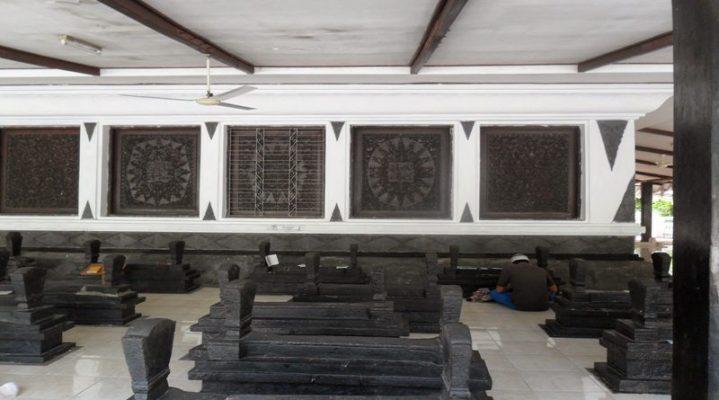 Ini 5 Makam Paling Banyak Dikunjungi di Indonesia
