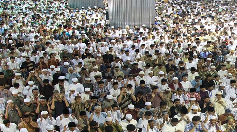 Mau Maju? Umat Islam Indonesia Harus Punya Sifat-sifat Ini!